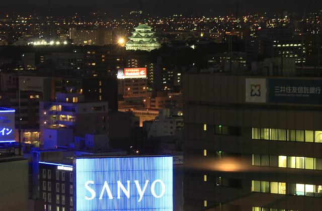 名古屋城と夜景
