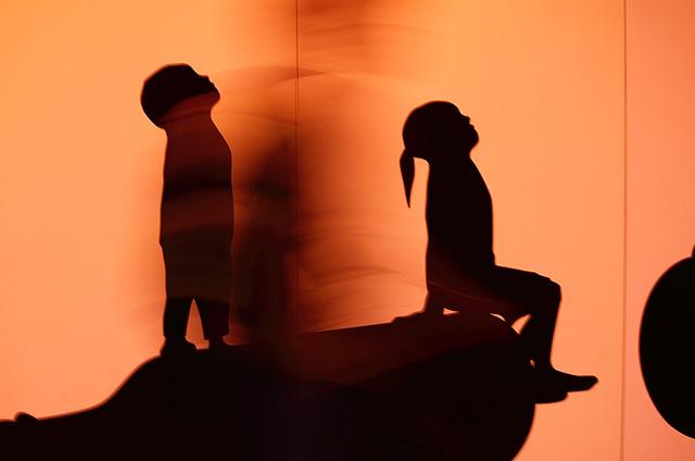 女の子と男の子のアート