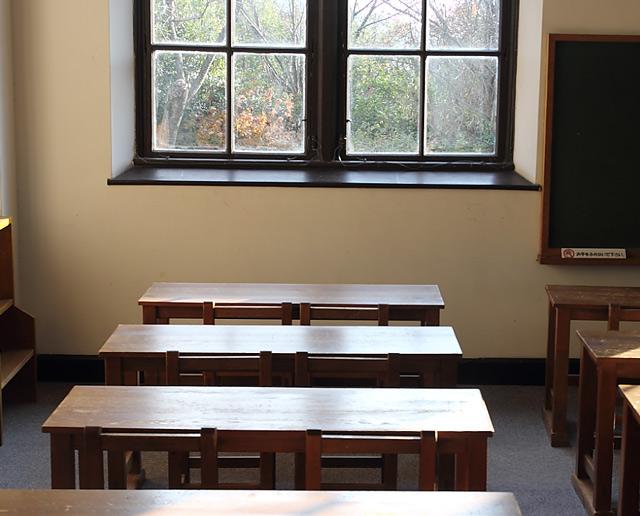 明治時代の学校教室