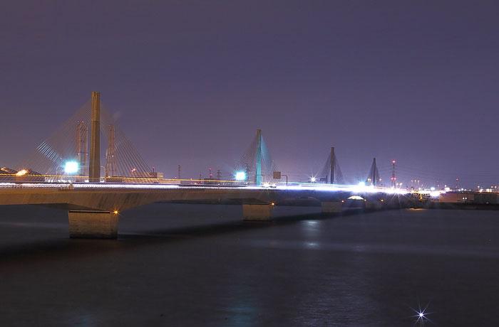 伊勢湾台風記念館からみた名港トリトンの夜景