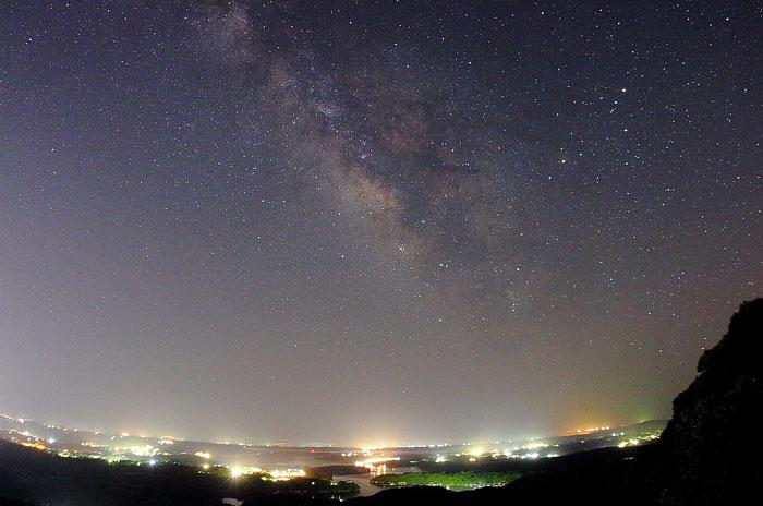 天の川と夜景