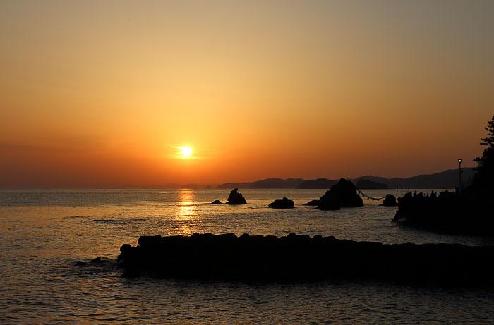 二見輿玉神社周辺からの日の出