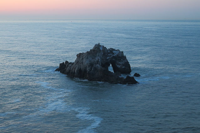 展望台から見た日出の石門