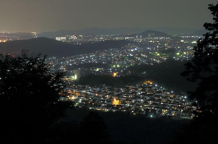 森林交流館から望む岐阜方面の夜景