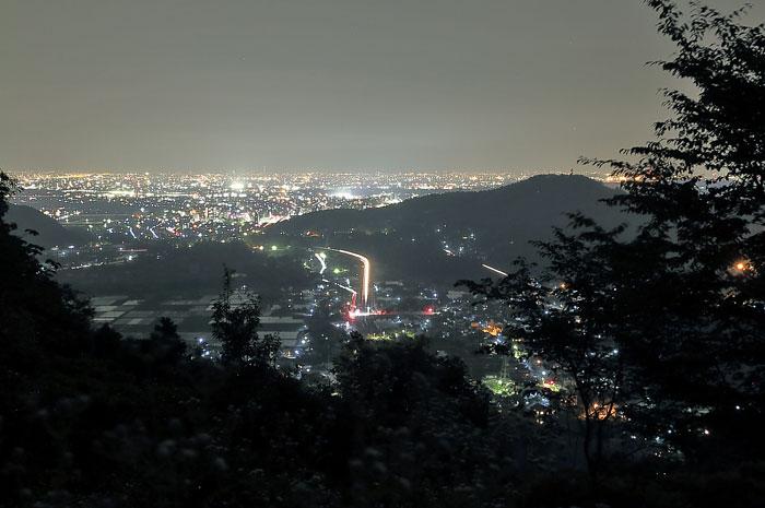 森林交流館展望デッキからの夜景