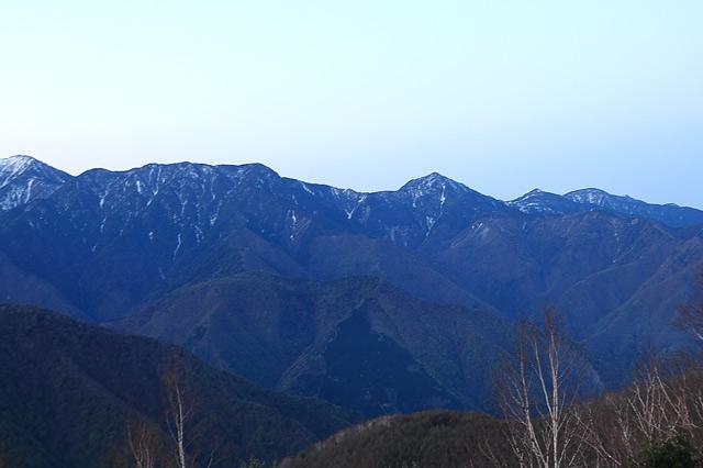 南アルプス山脈を望む