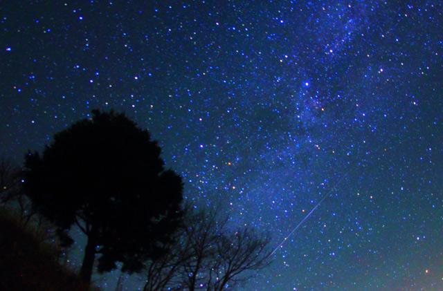 カシオペア座と流れ星