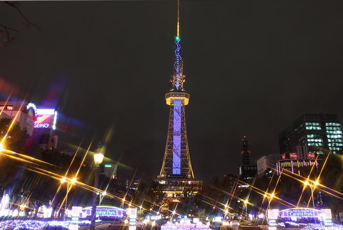 テレビ塔とイルミネーション