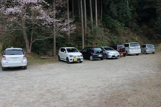春谷寺の駐車場