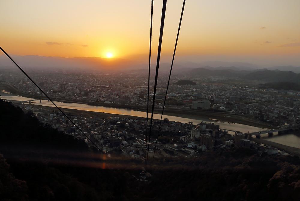 金華山ロープウェイからの夕日