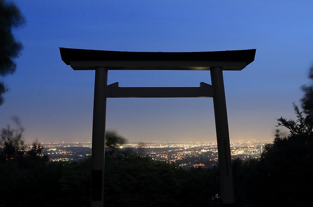 白山神社のトワイライト
