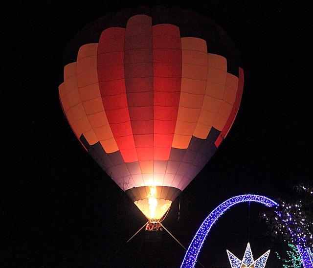 熱気球のライトアップ