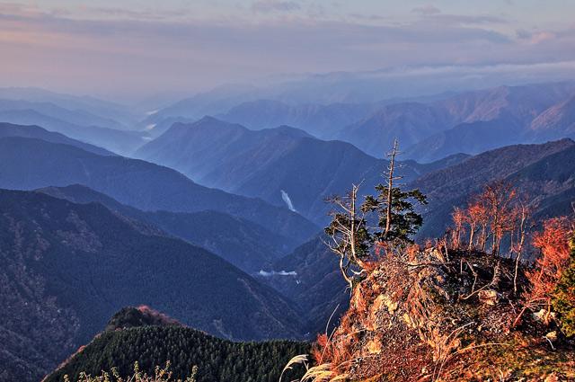 紅葉シーズンの大台ケ原の風景