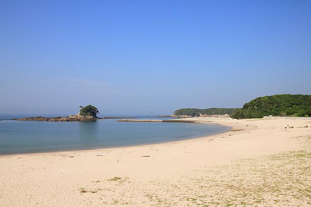 白い砂浜の御座白浜海水浴場