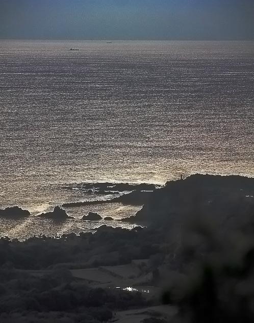 キラキラと輝く伊勢湾