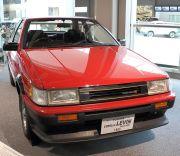 レビンAE86型(赤)