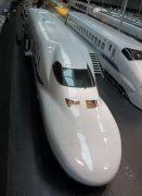 700系723形式新幹線電車