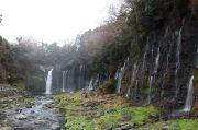 滝の側面を含めて俯瞰できる撮影スポット