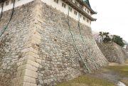扇勾配の石垣