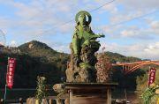 弁天島の弁財天の銅像
