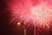 街灯と花火