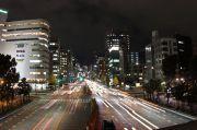 栄の夜景と車の光跡2
