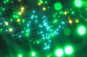 緑色にキラキラと光るライト