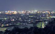 展望台から四日市市街の夜景を望む