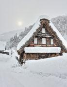 雪が降る五箇山